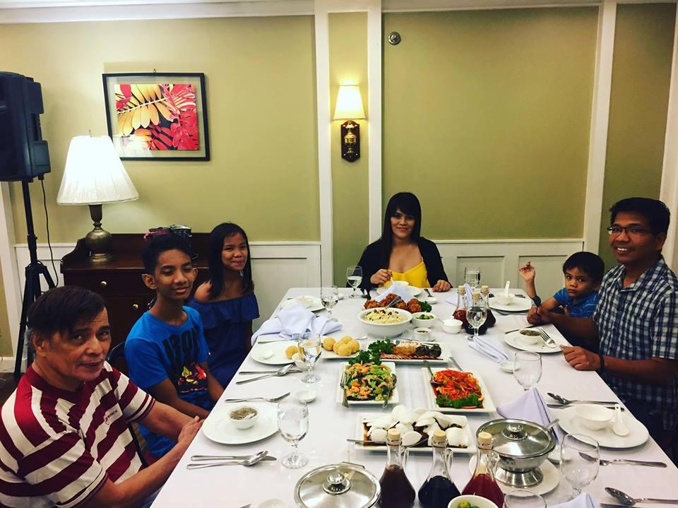 table at Comida China de Manila