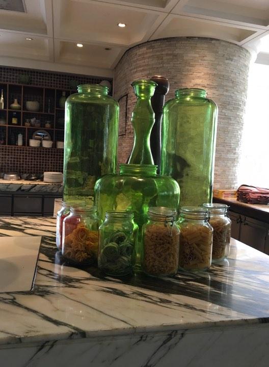 breakfast at Ilang-Ilang Cafe at the Manila Hotel