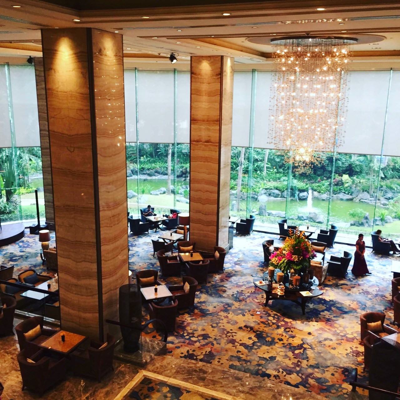 The Lobby Lounge at the Edsa Shangri-la Hotel