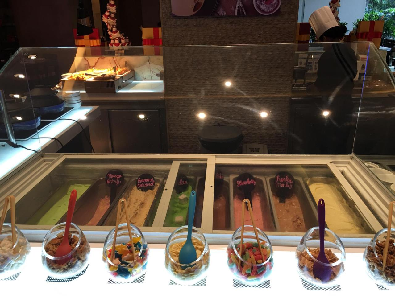 ice cream choices in our buffet breakfast at the HEAT (Edsa Shangri-la)
