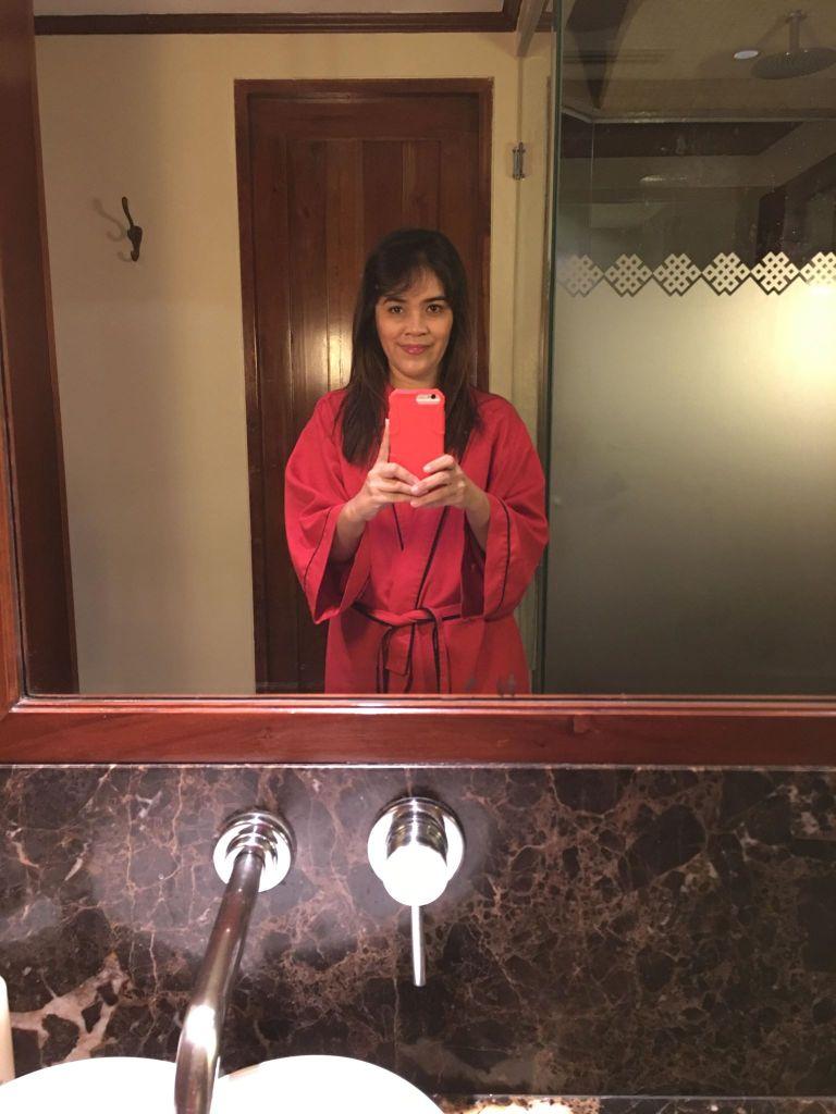 restroom selfie at Chi, The Spa