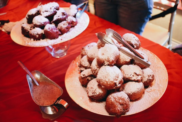 South Florida Bloggers Donut Divas Tasting Event. They have delicious carnival foods all year around like these vanilla deep fried Oreos