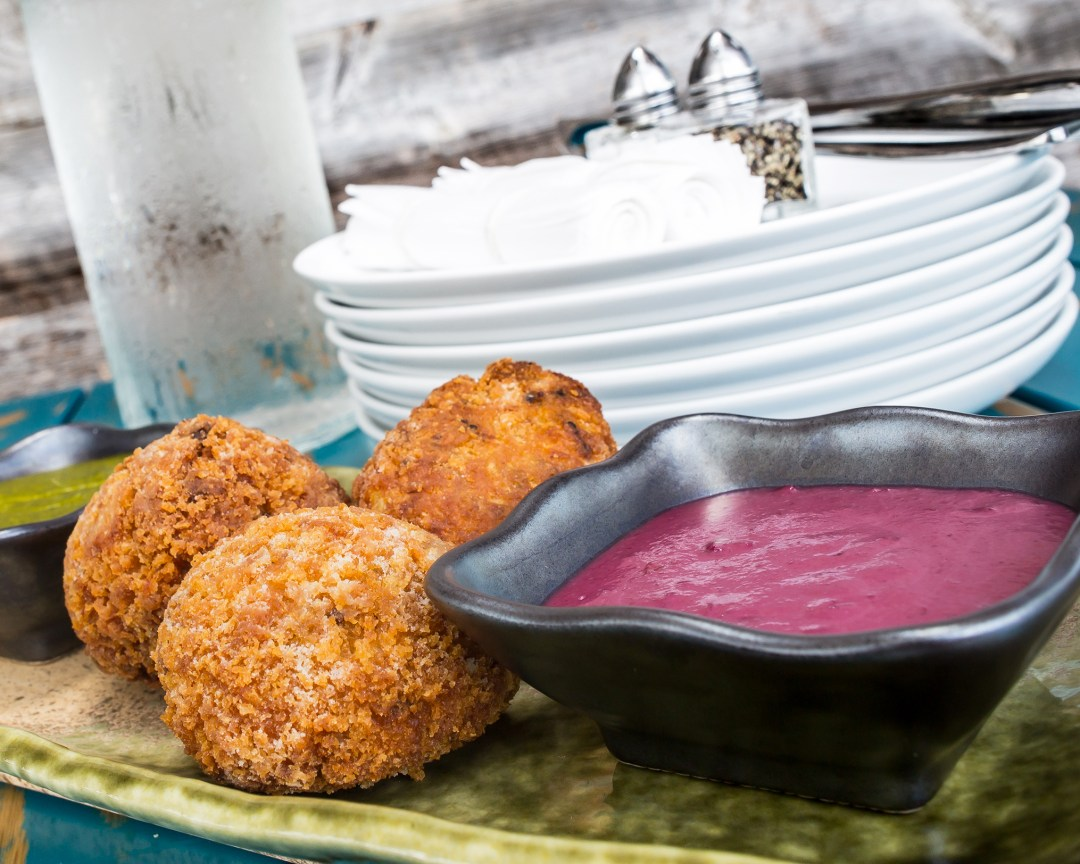 Miami Restaurant, Pisco y Nazca serves the most delicious chicken fritters served with an amazing olive aioli. They are called Bombas Rellenas. Click to read about their other dishes on the menu or pin to save for later!