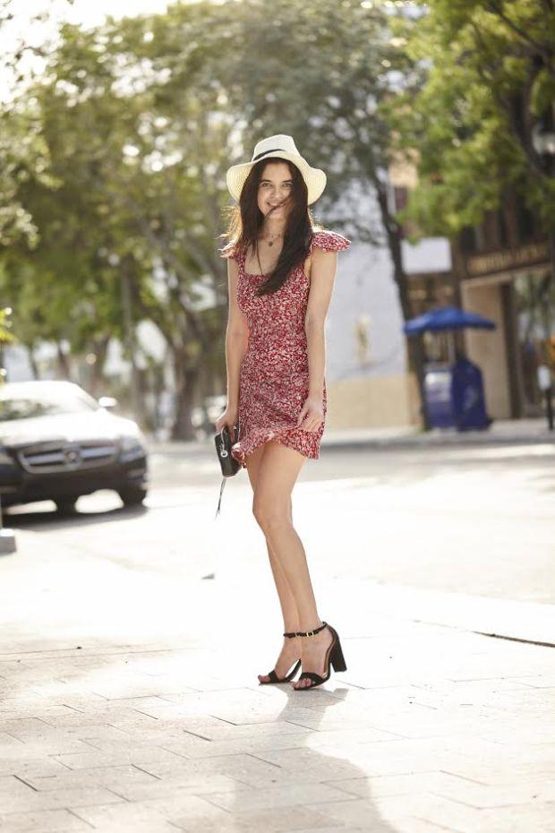 Stephanie Rodgers Full Body Pic blogger spotlight