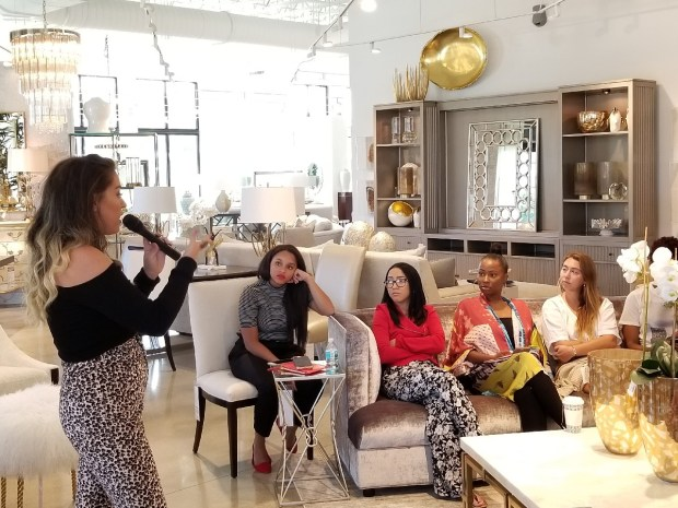 Ft Lauderdale Bloggers get photo posing tips from photographer Bonnie Rodriguez.