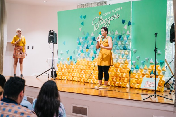 Top Miami Bloggers 2018 - South Florida Blogger Awards - The Blogger Union founder Paola Mendez Origami backdrop by Dapper Animals