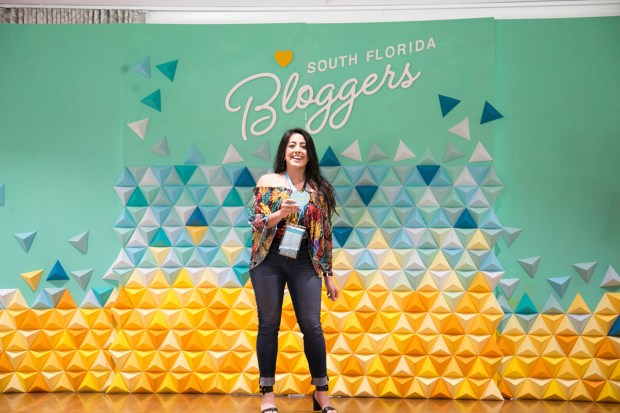 Top Miami Bloggers 2018 - South Florida Blogger Awards - Best Local Blogger Finalist. Origami backdrop by Dapper Animals