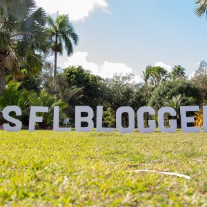 Top Miami Bloggers 2018 - South Florida Blogger Awards - #SFLBLOGGERS photo opp by Dapper Animals