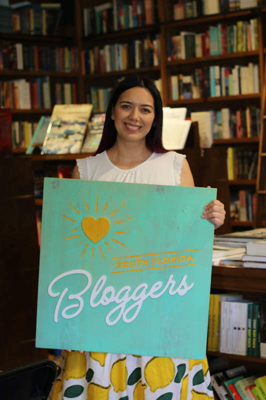 Paola Mendez speaks at the South Florida Mom Bloggers' and South Florida Bloggers' November 2019 Meetup