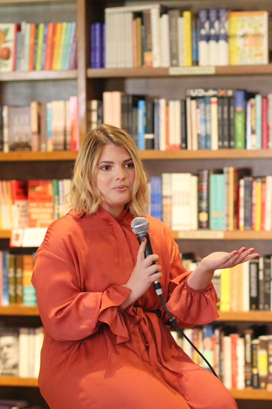 Amy Sedeno speaks at the South Florida Mom Bloggers' and South Florida Bloggers' November 2019 Meetup