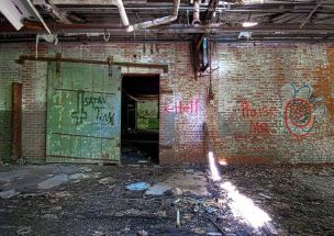 Hell wall – Bristol Manufacturing, Waterbury, Connecticut ©2014 Robert Marsala