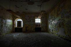 Welcome - Seaside Sanatorium, Waterford, Connecticut ©2014 Robert Marsala