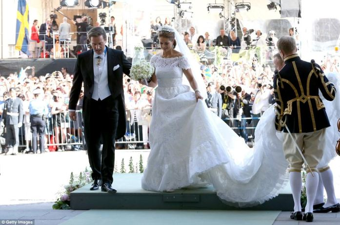 Princess Madeleine + Chris ONeill - Outside on Platform