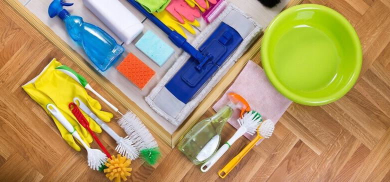 7 CLEANING TOOLS EVERY HOME NEEDS
