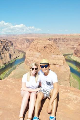 Couple at horseshoe bend