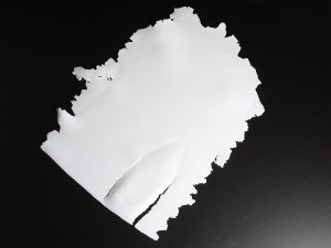 Sheets of Pardo Translucent do tear easily.