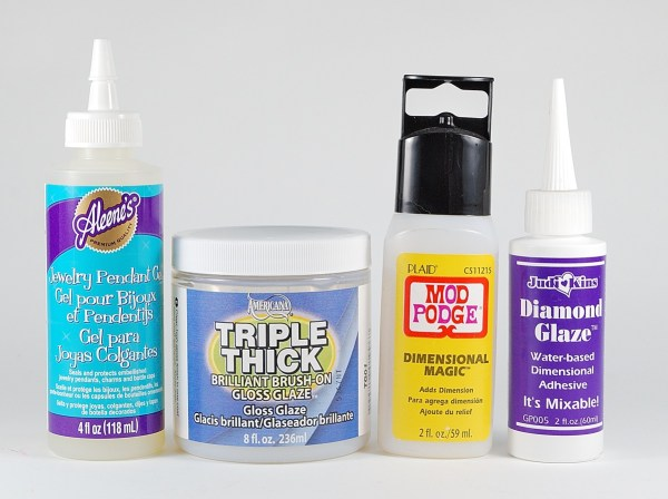 Dimensional glazes are one type of clear-coat finish that can be applied to polymer clay.