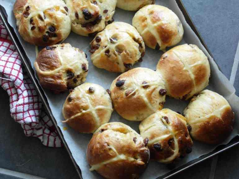 Earl Grey & Orange hot cross buns