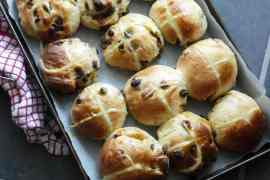 Earl Grey & Orange hot cross buns