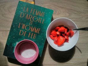 fraise et livre