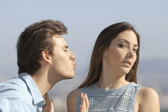 Tinder relationships, bad relationships, Colombian dating