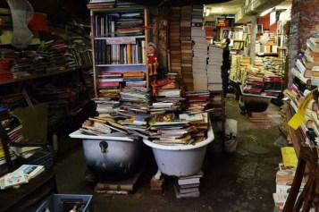 una-libreria-sottacqua-orig-1_main