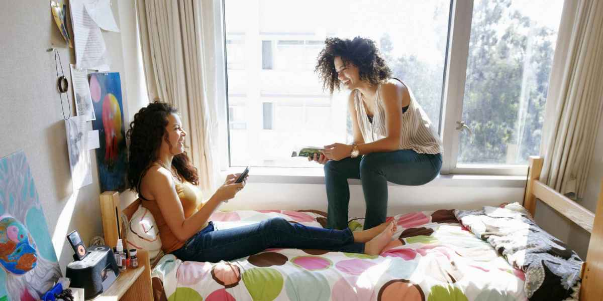 6 Ways to Bond With Your Suitemates