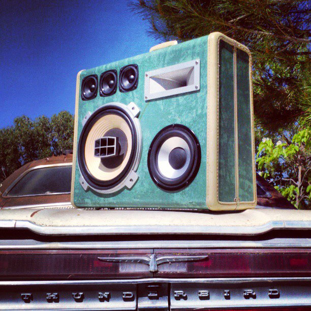 thunderbird boomcase suitcase boombox ford vintage bass