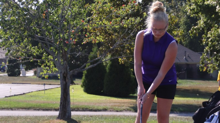 Girls golf competes at regionals