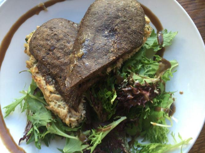 novelty restaurants melbourne
