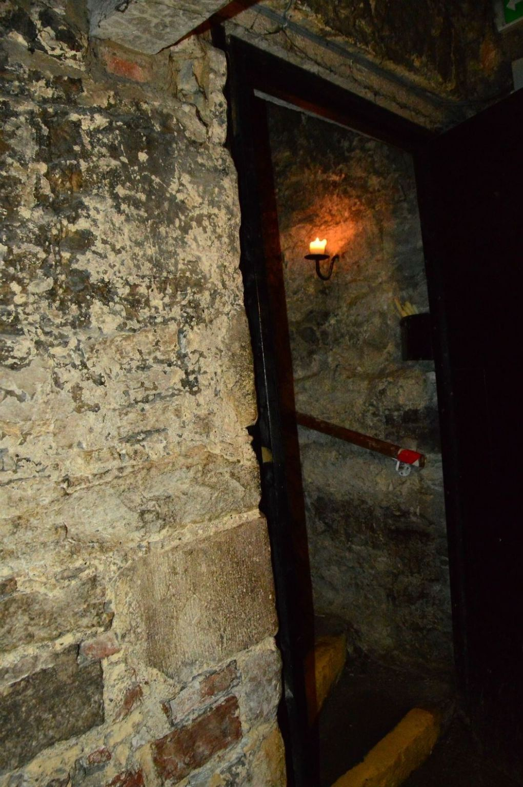 stone staircase in the vaults of edinburgh