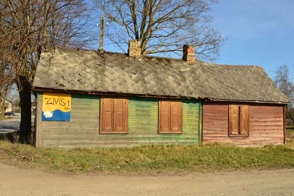 Apsuciems-beach-wooden-house