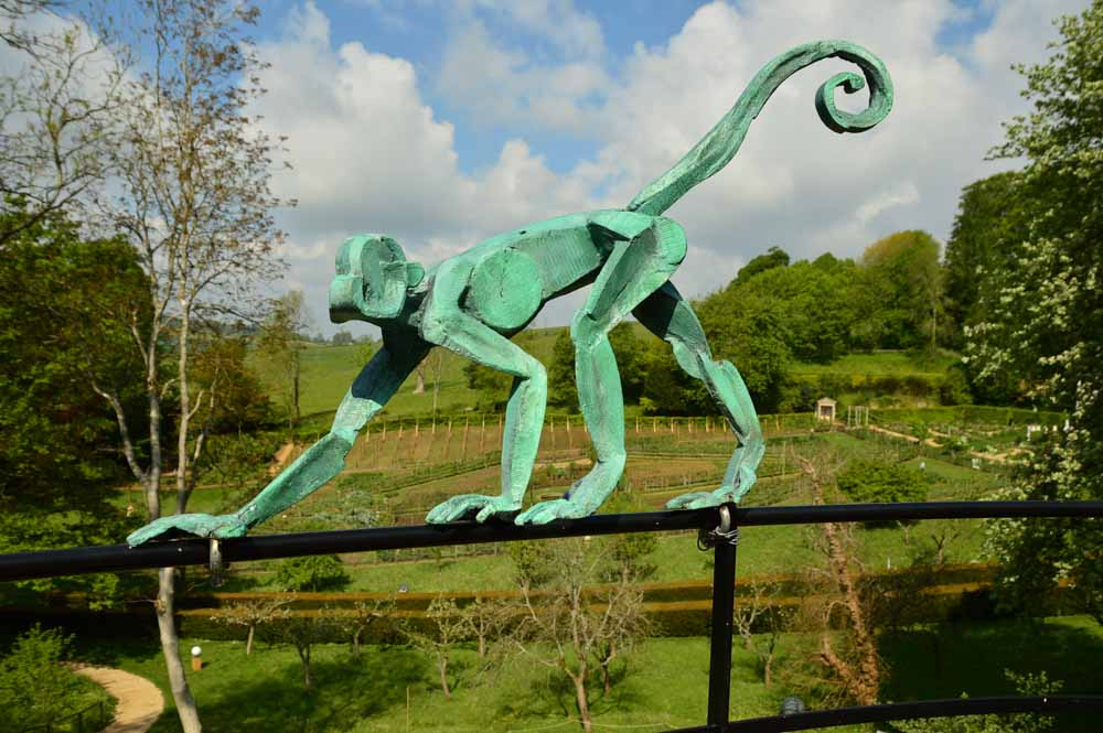england_cotswolds_painswick-rococo-gardens-monkey-sculpture