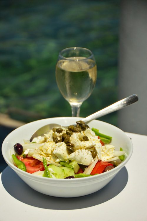 greece_ios_mylopotas-beach-drakos-taverna-greek-salad