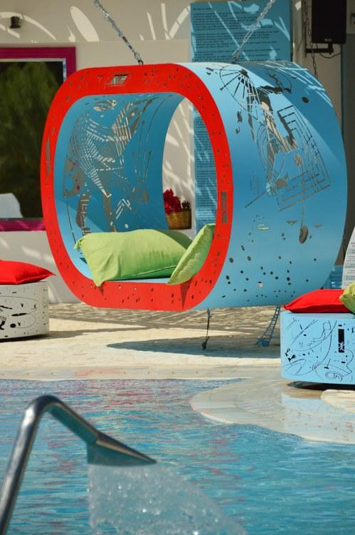 greece_ios_mylopotas-free-beach-club-lounger