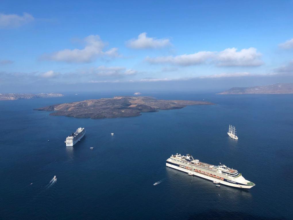 greece_santorini_harbour
