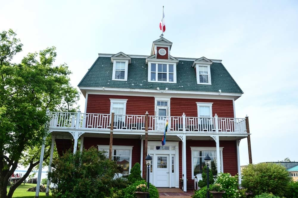 canada_new-brunswick_hotel-paulin
