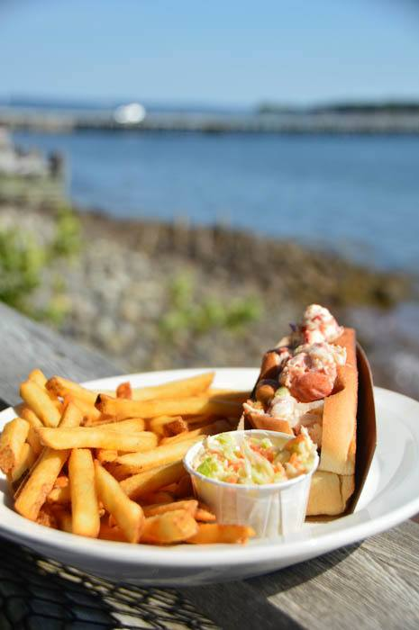 canada_new-brunswick_standrews-the-gables-lobster-rol