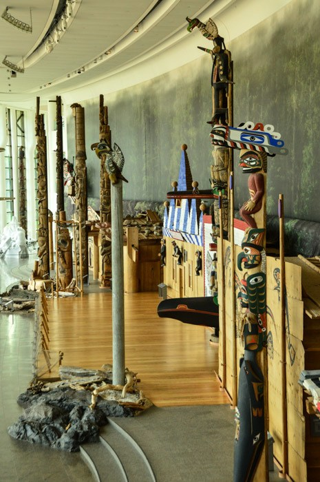 canada_ottawa_canadian-history-museum-totem-poles