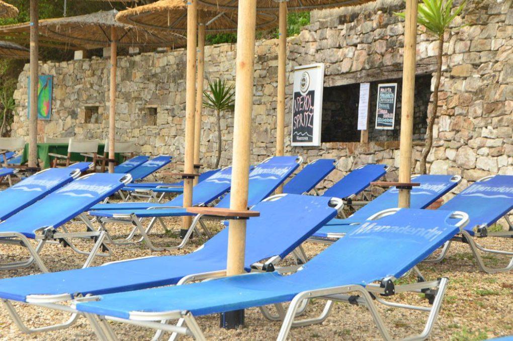 greece_paxos_bens-bar-blue-sun-loungers