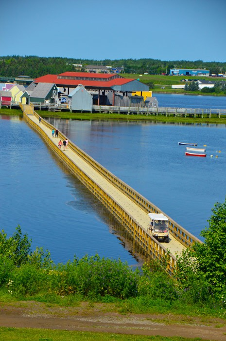 canada_new-brunswick_pays-de-la-sagouine-bridg