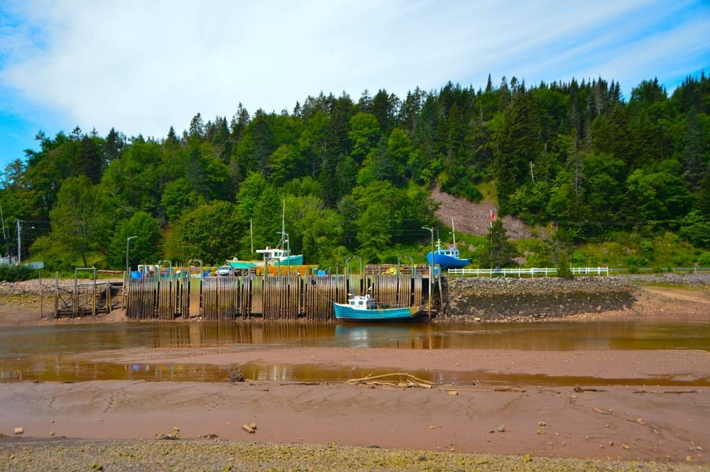 canada_new-brunswick_st-martins-harbour-low-tide