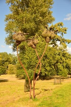 england_romsey_harold-hillier-gardens-sculpture-bees