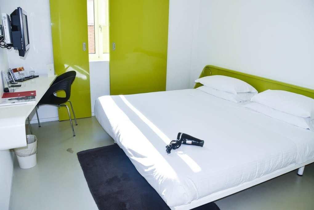Italy_Rimini_Hotel-Duomo-room