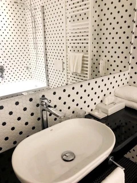 San_Marino_Hotel-titano-bathroom