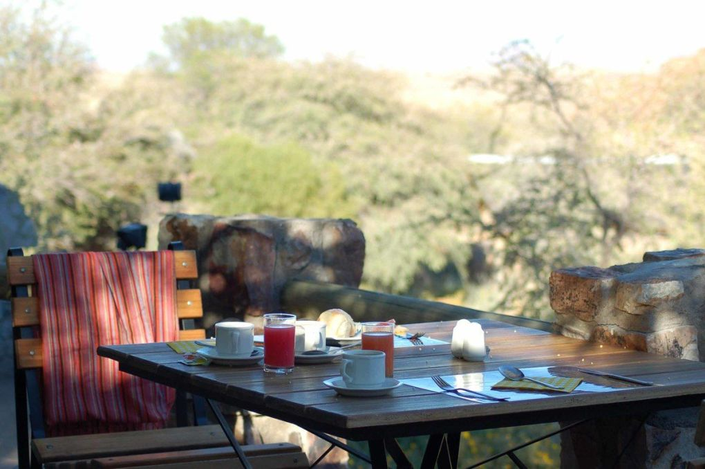 Namibia_fish-river-canyon-breakfast