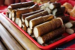 Pulut (Glutinous rice rolls)
