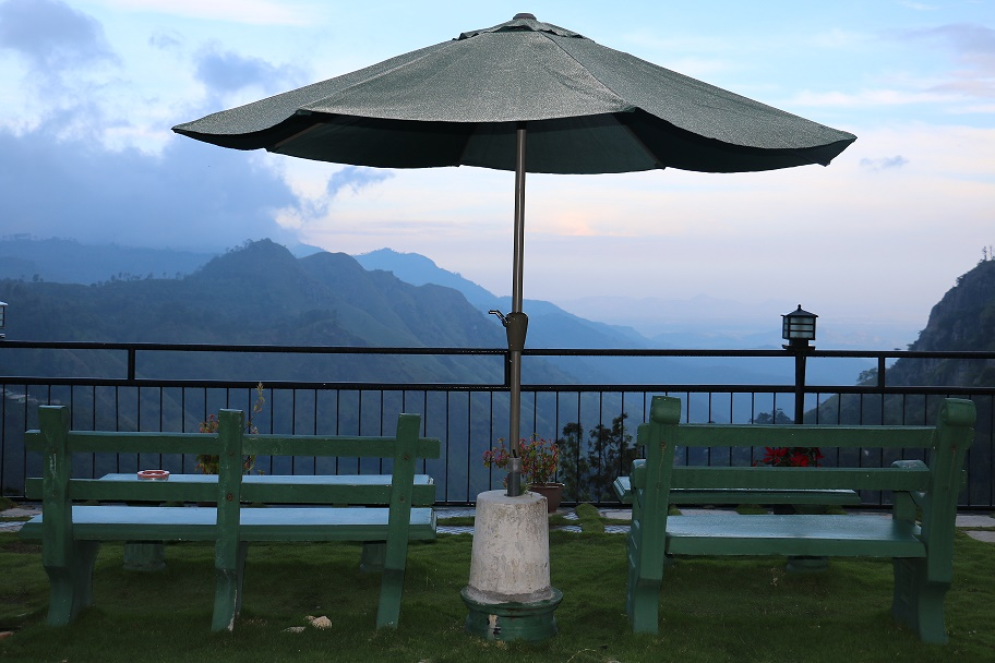 Ella, Nuwara Eliya, Kandy und Sigiriya – Mit dem Zug und Bus durch die Berge Sri Lanka's