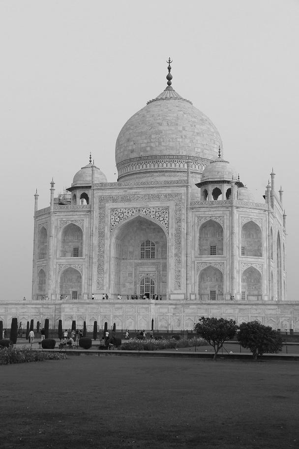 Agra_Taj_Mahal_16_thebraidedgirl