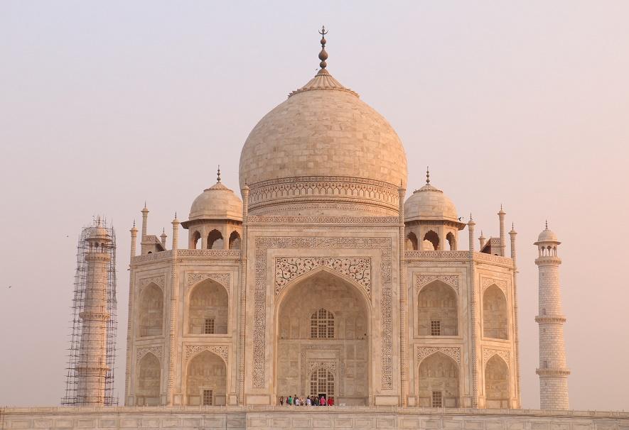 Agra_Taj_Mahal_19_thebraidedgirl